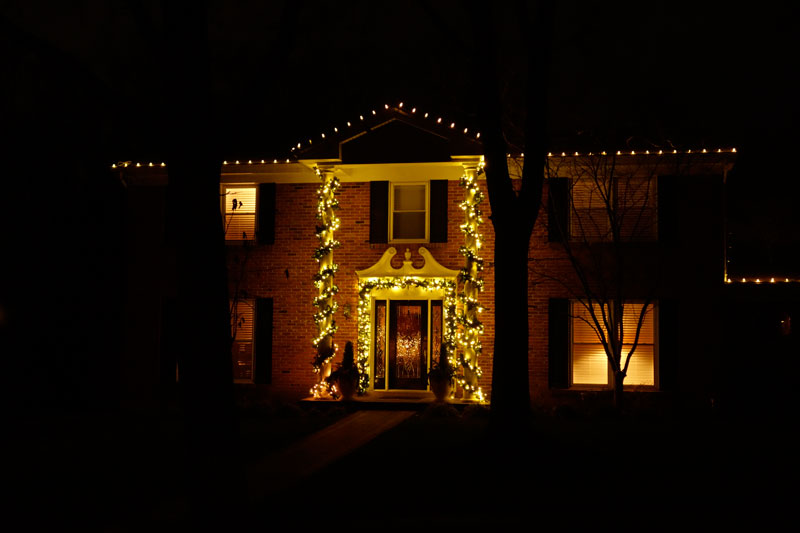 Holiday light displays st louis seasonal landscaping st louis our team of experts can help you create a show stopping winter light display without the hassle of having to do everything yourself holiday lighting solutioingenieria Choice Image
