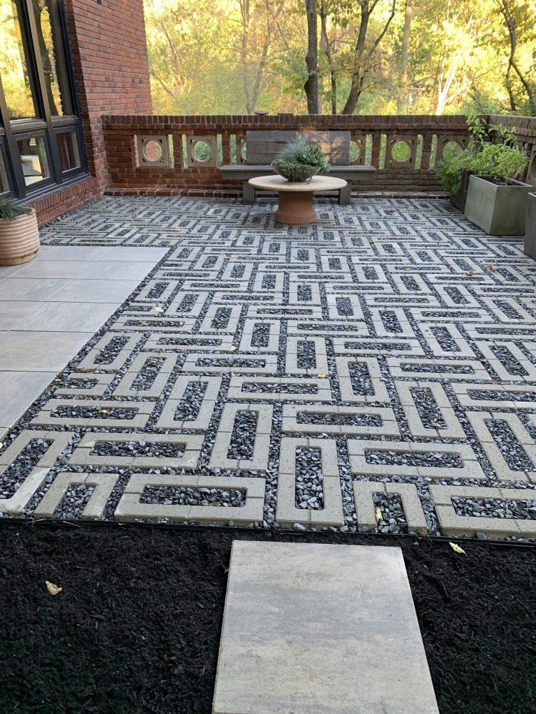 mid-century modern patio build in st. louis using Techo-Bloc