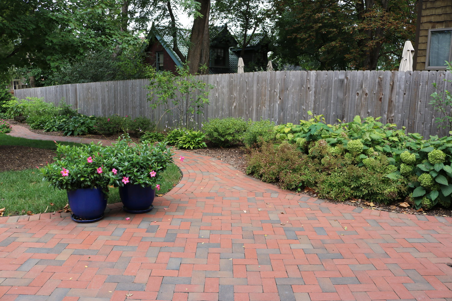 ... pays close attention while following any instructions left for us. When youu0027re in need of hardscape design landscape design or maintenance ... & Patio Construction in St Louis | Landscape Design Service in St ...